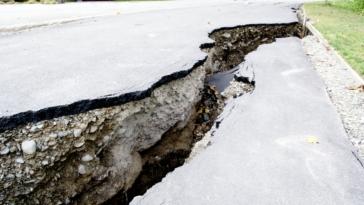 sismos stin athina proidopiisi varotsou gia 7 richter