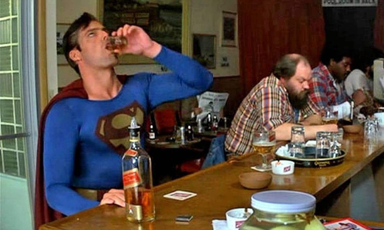 anekdoto ine o superman methysmenos pano se enan ouranoxysti epiko gelio