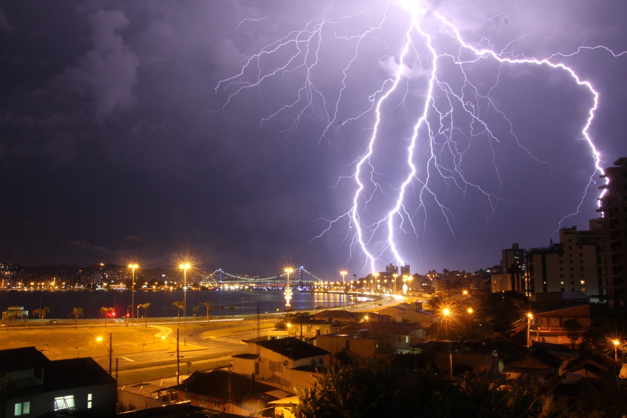 nea proidopiisi meteorologon entona kerika fenomena