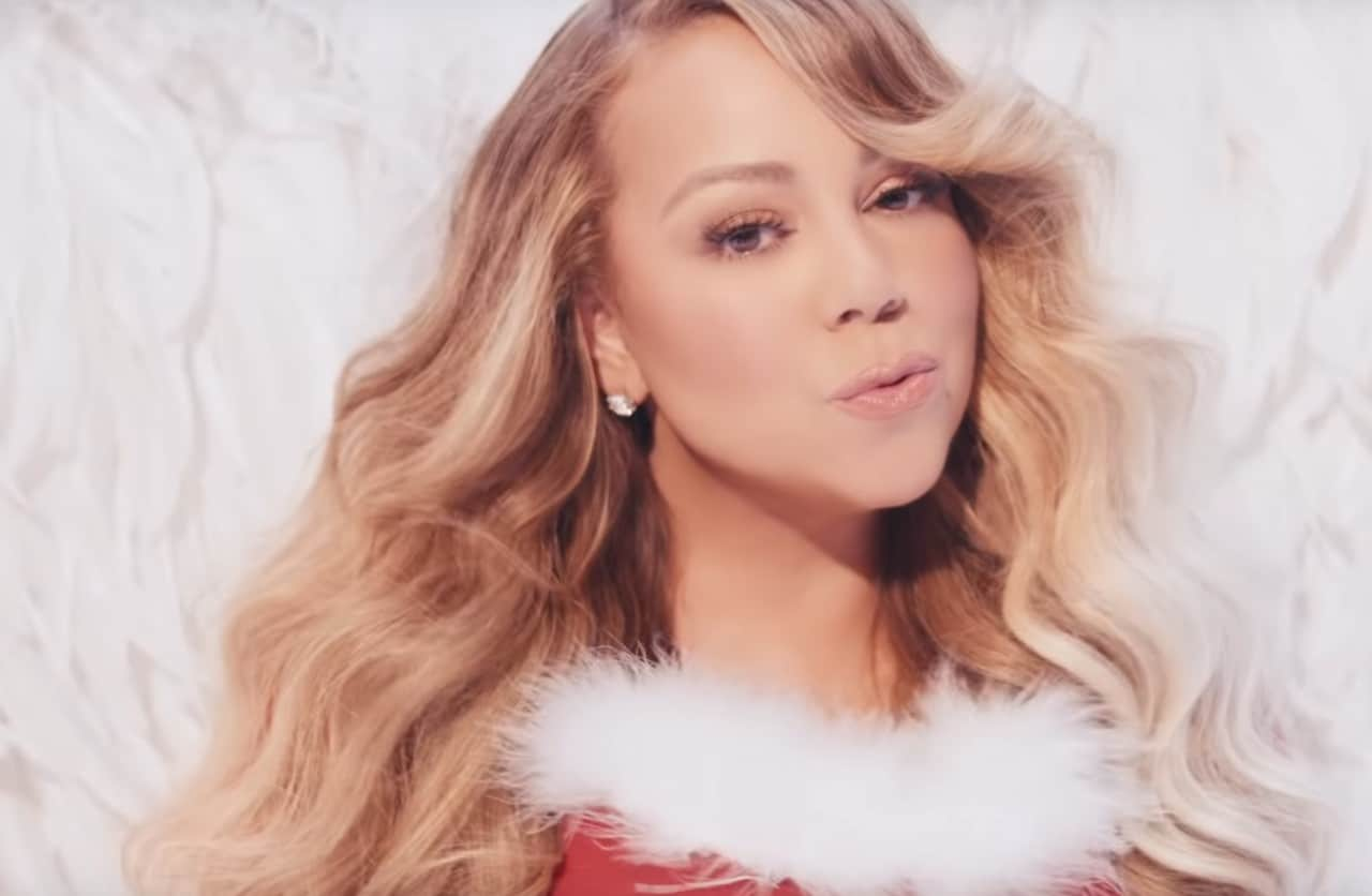 neo video clip apo tin mariah carrey gia to all i want for christmas is you