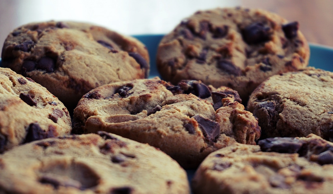anekdoto ine enas geros arrostos varia kati biskota ke o paradisos trelo gelio