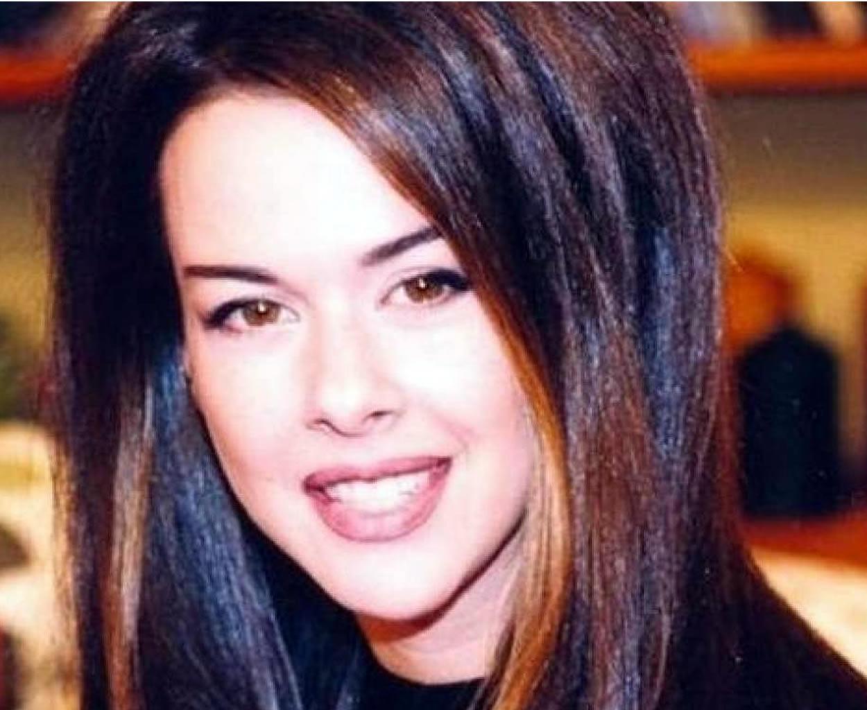 Ίνα Λαζοπούλου, Ίνα Λαζοπούλου μοντέλο, Ίνα Λαζοπούλου PETA, Ίνα Λαζοπούλου τραγουδίστρια
