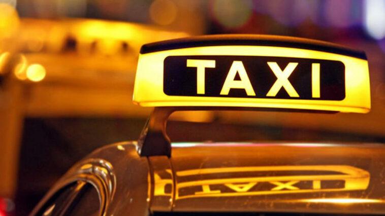 anekdoto einai mia athinaia foititria taxi stin patra trelo gelio