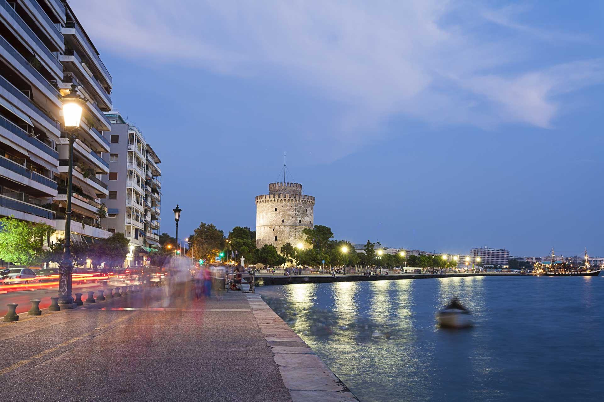 Σε καραντίνα η Θεσσαλονίκη απο αύριο το πρωί! Μόνο με SMS οι μετακινήσεις