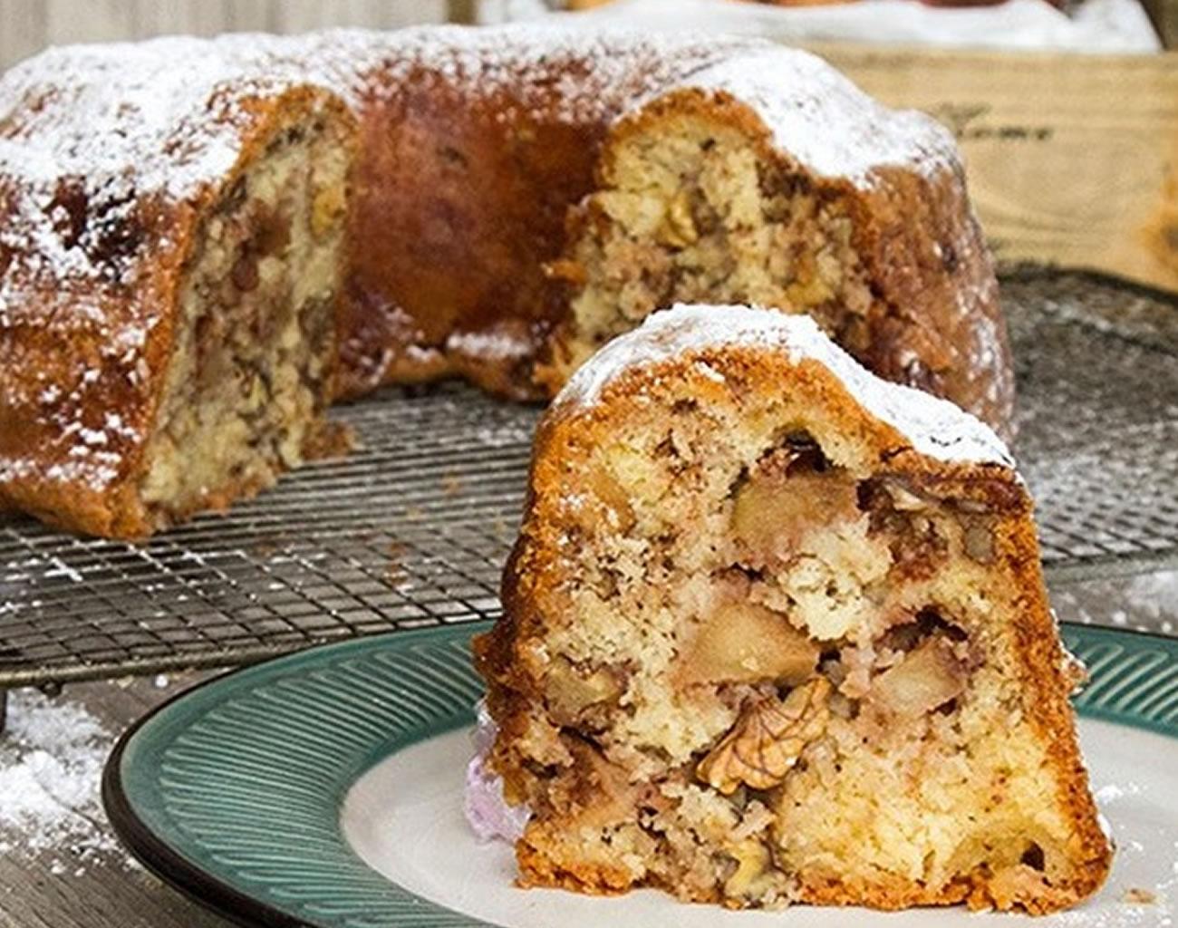 κέικ μήλου Άκης Πετρετζίκης